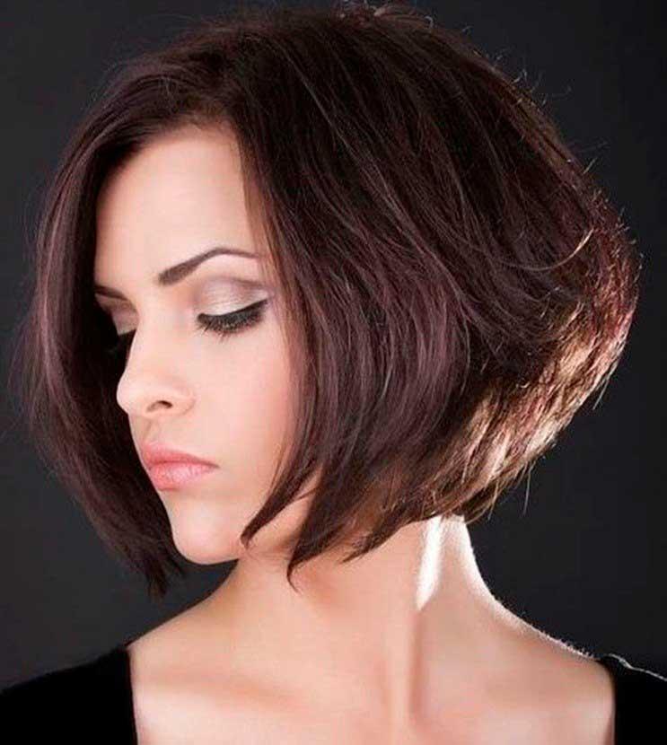 Стрижка на короткие волосы без челки